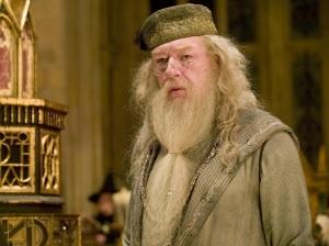 Albus-Dumbledore-Wallpaper-hogwarts-professors-32796646-1024-768